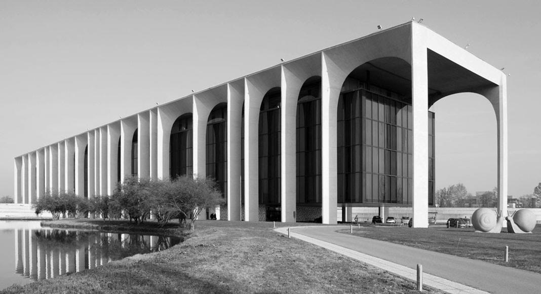Gli itinerari di architettura milanese in programma a for Programma di architettura